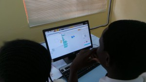 Pupils learning to program with Scratch