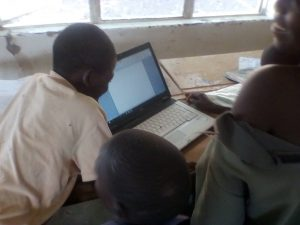 pupils working at Siakalinda